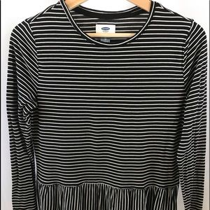 Old Navy striped Top black & white XS Long sleeve